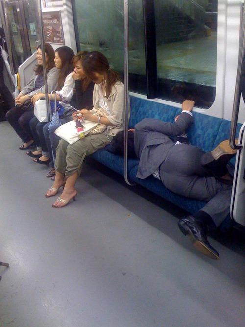 japanese-man-asleep-on-the-train