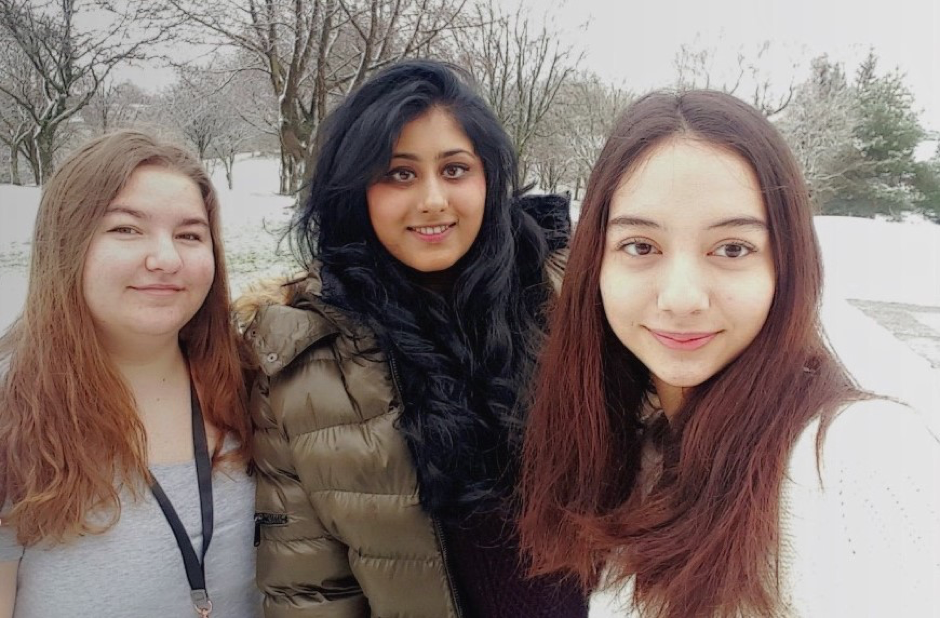 Meryem from Turkey with friends - Studying in Scotland