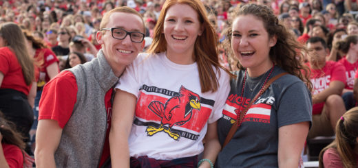 Illinois_State_Students_Go_Redbirds_5_Reasons