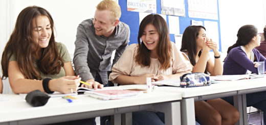 Classroom-picture-smiling-students-International-Foundation-INTO-University-of-Gloucestershire